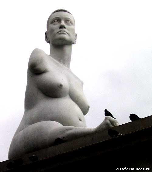 Памятник жертвам талидомида в Лондоне